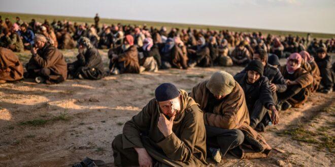 """الدفاع التركية : المقاتلون الأكراد أطلقوا سراح 800 إرهابي على الأقل من تنظيم """"داعش"""" من سجن مدينة تل أبيض شمالي سوريا"""