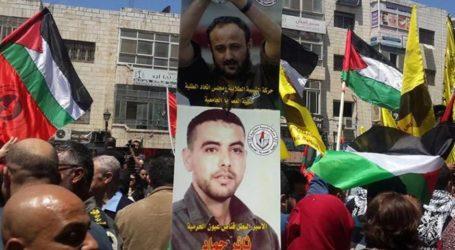 الاتحاد الاوروبي يعلن عن قلقه من استمرار اضراب مئات الاسرى الفلسطينيين عن الطعام