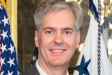"""استقالة """" ستيفن أكارد """" المفتّش العام لوزارة الخارجيّة الأميركيّة المكلّف بالتحقيق في ملفّات وصفت بانها محرجة للوزير بومبيو"""