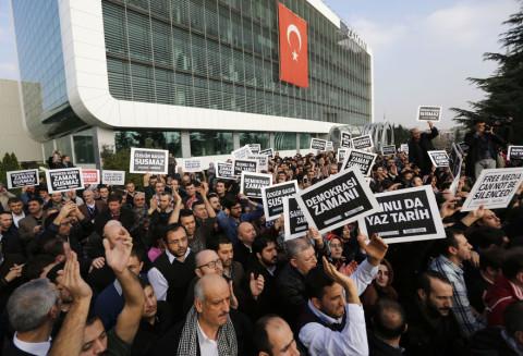 تركيا اغلاق صحيفة زمان 3