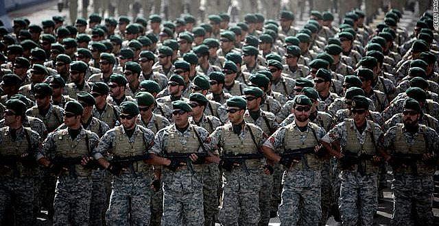 حرس الثورة الاسلامية يعرض مقاطع فيديو وثقتها الطائرة الايرانية المسيرة للمدمرة الامريكية في مياه الخليج في تاكيد على تكذيب خبر اسقاطها