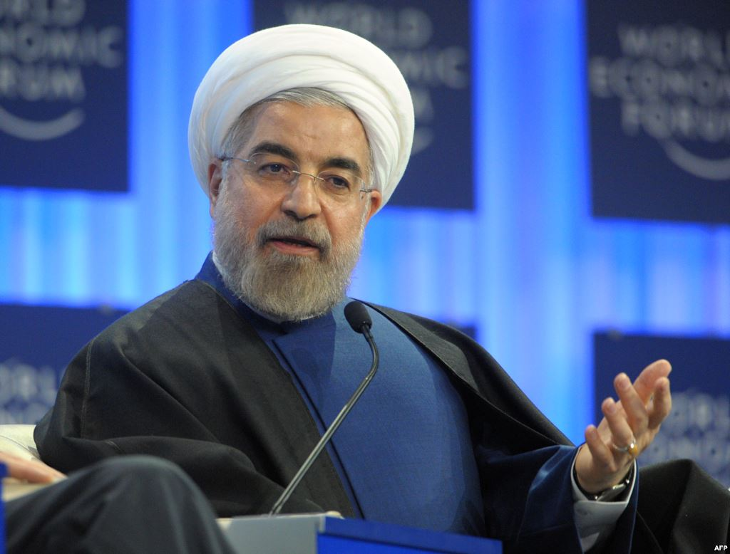 الرئيس الايراني يحذر اعداء بلاده من التفكير باي عدوان ضدها وينفي السعي لامتلاك اسلحة دمار شامل