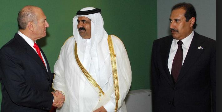 الشيخ عبد العزيز بن خليفة شقيق حاكم قطر السابق : قطر تنفذ مؤامرة اسرائيلية بريطانية لتدمير دول الخليج باموال البلاد