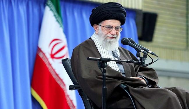 قائد الثورة الاسلامية اية الله الخامنئي يدعو الجيش الايراني الى الارتقاء بقدراته و الاستعداد لتادية المهام التي يكلف بها