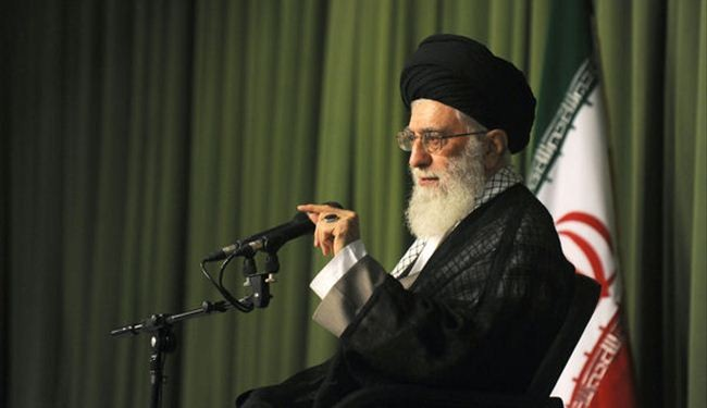 قائد الثورة الاسلامية اية الله خامنئي :  الشعوب المسلمة لن تتحمل أبدا ذل التسوية مع الكيان الصهيوني