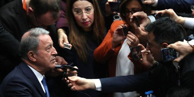 خلوصي وزير الدفاع التركي  : تركيا لاتريد الاشتباك مع العسكريين الروس في ادلب