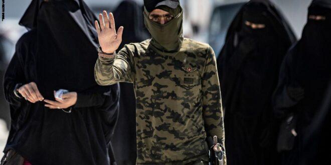 """القوات الامريكية تنقل  300 فرد من عوائل """" داعش"""" من معسكر الحول في شمال سوريا الى العراق في تاكيد على انتهاك سيادته وتعريض امنه للخطر"""