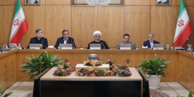 الرئيس روحاني :   لايوجد قرار بفرض الحجر الصحي على أي مكان أو مدينة بسبب فيروس كورونا وبذلت جهودا كبيرة في التشحيص والعلاج