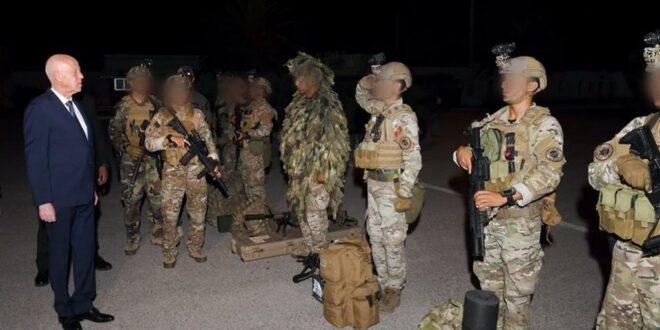 الرئيس التونسي : المؤسسة العسكرية على استعداد للذور عن الوطن والتصدي من يسعى للتعدي على الدولة