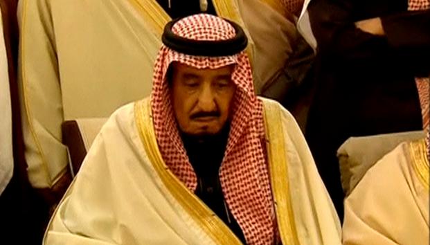 """الملك السعودي سلمان يطالب بوتين بحل سياسي لـ """" الازمة """" في اليمن في تطور يكشف مخاوف السعودية من سقوط مدن لها بيد الحوثيين مع بدء المعارك البرية"""