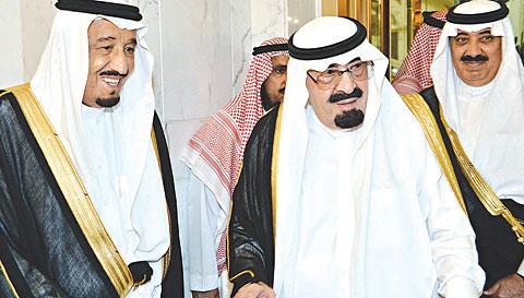 تقرير اوروبي : الملك سلمان يقود انقلابا ضد نفوذ اركان الملك السابق عبد الله بالاطاحة باثنين من ابنائه والدور ات على وزير الحرس متعب
