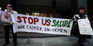 ناشطون يمنيون وأمريكيون ينفذون وقفة احتجاجية في مانهاتن وسط نيويورك الأمريكية تنديدا بالعدوان السعودي الاماراتي على اليمن بدعم امريكي