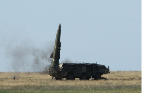 الناطق باسم القوات المسلحة اليمنية : وضعنا 300 هدف عسكري ومنشاة حيوية في السعودية ضمن اهداف قوتنا الصاروخية