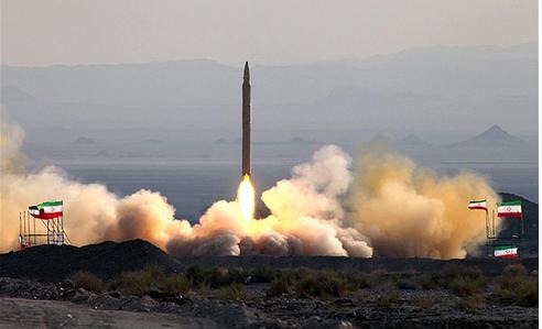 """انتهاء مناورات """" اقتدار الولاية """" باطلاق صاروخ باليستي من طراز """" قيام """" يبلغ مداه 1400 كيلومتر وقلق اسرائيليي"""