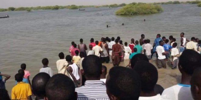 السودان : مصرع 24 تلميذا على الأقل نتيجة غرق مركب بينهم 5 تلميذات من عائلة واحدة