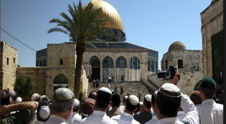 مفتي عام القدس والديار الفلسطينية يدعو الى التحرك العاجل لانقاذ المسجد الاقصى من اعتداءات وانتهاكات الاسرائيليين