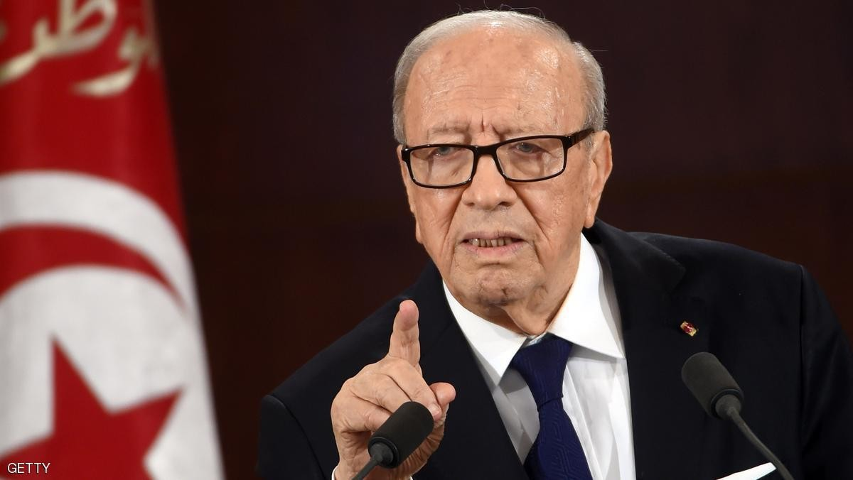 السبسي: ليس هناك مانع جوهري يمنع إعادة العلاقات الدبلوماسية مع دمشق