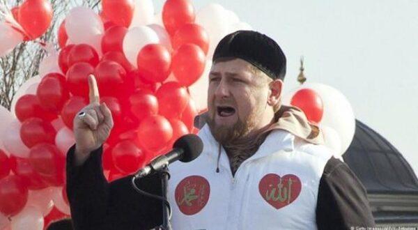 الرئيس الشيشاني قديروف معلقا علي اساءات الرئيس الفرنسي للرسول الاعظم ص : توقف ياماكرون قبل فوات الاوان