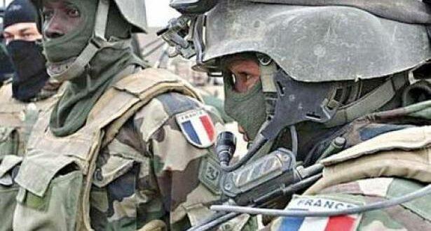 فرنسا تعلن عن مناقشة سحب قواتها من سوريا بعد ساعات قليلة من تفجير مقر الاستخبارات الفرنسية في الرقة