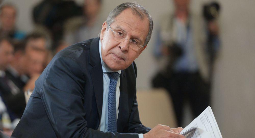 لافروف يرفض التعاطي المذهبي لقمة الرياض مع القضية السورية وايران