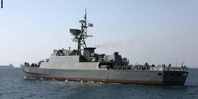 """ايران تعلن عن خطط لتنفيذ دوريات في """" المياه الدولية """" في الخليج بقوة تضم مدمرتين وسفينتين لوجستيين"""