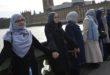 لسلطات السويسرية ترفض منح الجنسية السويسرية لزوجين مسلمين لانهما رفضا مصافحة الجنس الاخر