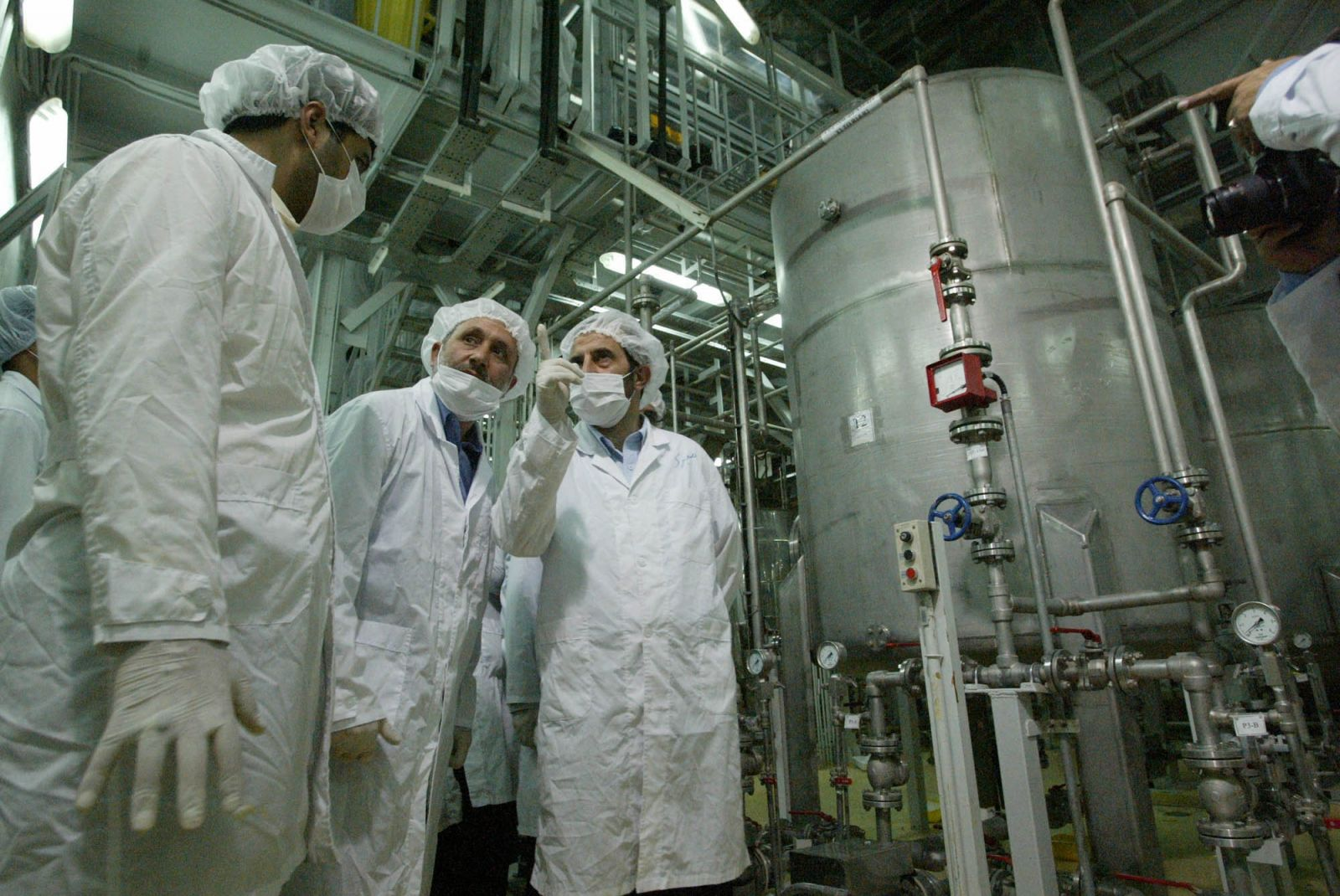 منظمة الطاقة النووية الايرانية : لدينا الامكانية اللازمة لتصنيع مفاعل نووي وزيادة تخصيب اليورانيوم