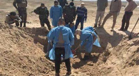 القوات العراقية تعثر على مقبرة غرب الموصل تضم رفات 73 شخصا من النساء والرجال والأطفال الذين أعدمهم داعش