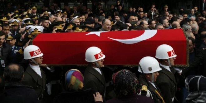 الدفاع الروسية : تركيا لم تبلغ الجانب الروسي بوجود قواتها في صفوف الجماعات المسلحة التي استهدفها الطيران الروسي