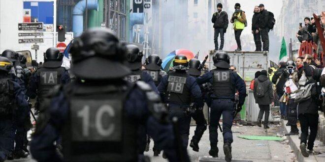 """مواجهات عنيفة بين متظاهرين والشرطة الفرنسية اجتجاجا على قانون """" الامن الشامل """""""