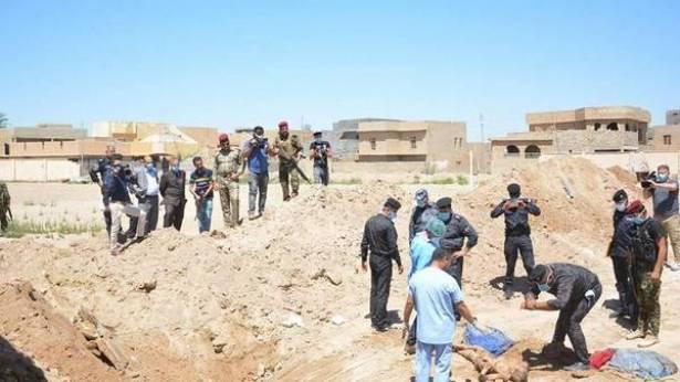 قوات الجيش تعثر على مقبرة جماعية تضم اجساد 100 من ضحايا داعش مقطوعي الراس قرب حمام العليل