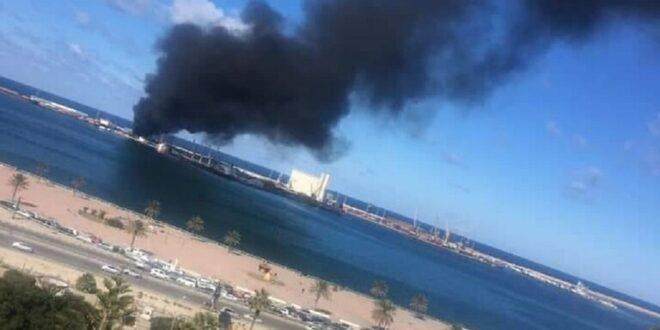 قوات حفتر تدعي قصف سفينة تركية تحمل سلاحا والحكومة الليبية تؤكد ان القصف استهدف حاويات مواد غذائية