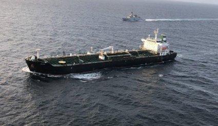 خطط ايرانية لتصدير البنزين الى فنزويلا في تحد للعقوبات الامريكية على كراكاس