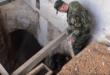 """فيديو : الجيش السوري يكتشف نفقا من طابقين بعمق 30 مترا كان يستخدمه الارهابيون في """"داريا """""""