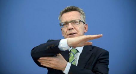 """وزير الداخلية الالماني يطلق دعوات استفزازية ضد """" الهوية الاسلامية """" متفاخرا بصلة ثقافته باسرائيل"""