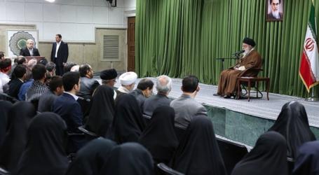 قائد الثورة الاسلامية : اذا مزق الطرف الاخر الاتفاق النووي فسنحوله الى فتات وصواريخنا غير قابلة للانتقاد