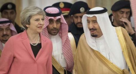 تيريزا ماي تصل الرياض حاملة رسالة قوية للملك وولي عهده بشان ارتفاع عدد الضحايا من المدنيين في الحرب على اليمن