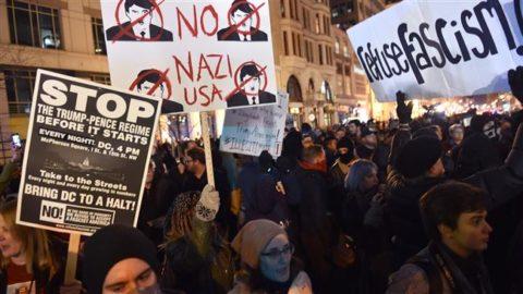 واشنطن تشهد تظاهرات غاضبة لأمريكيين يحتجون على تنصيب ترامب رئيسا للولايات المتحدة