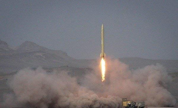 """لحظة اطلاق صاروخ """"شهاب-3"""""""